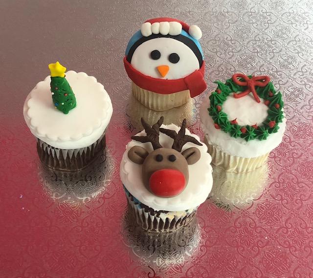 Christmas In July Week (Cupcakes)