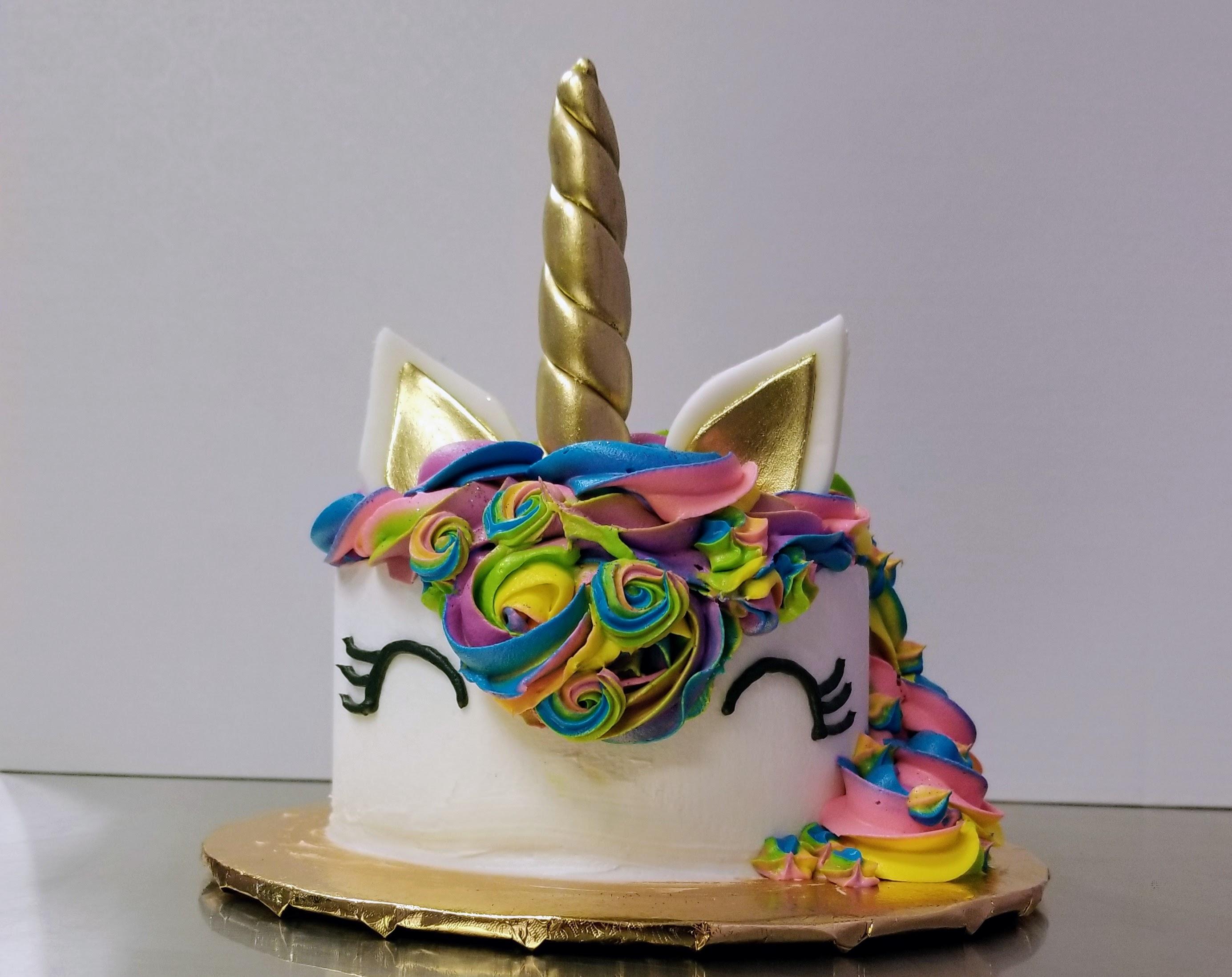 Family Day Unicorn Cakes