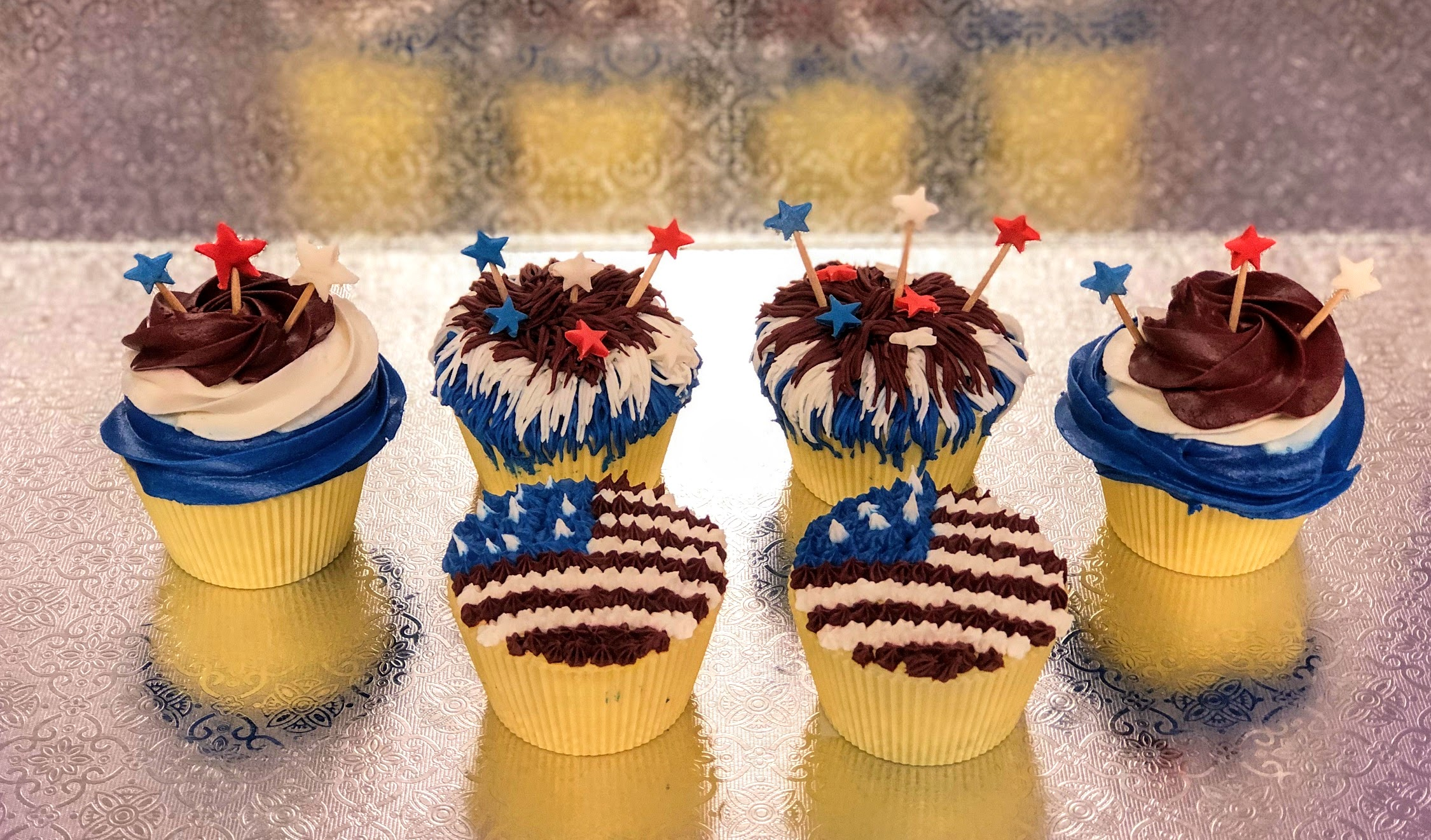 Kid's Camp: Stars & Stripes Cupcakes