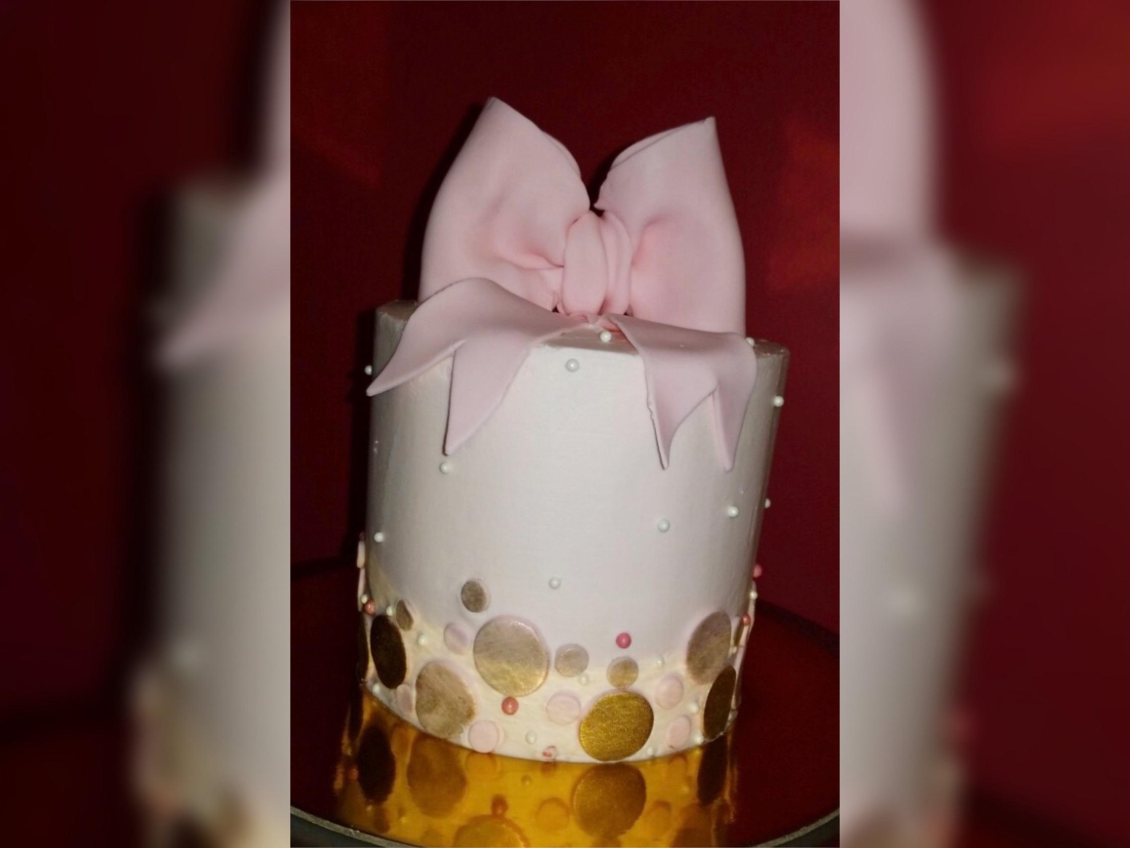 Mini Bow Cake
