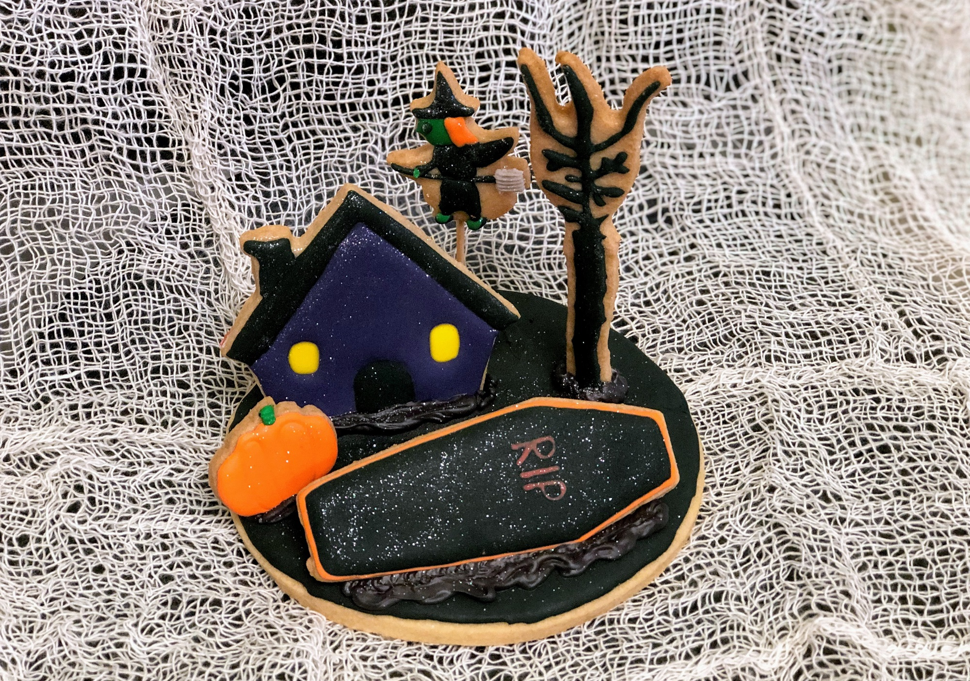 2D Haunted House Cookies