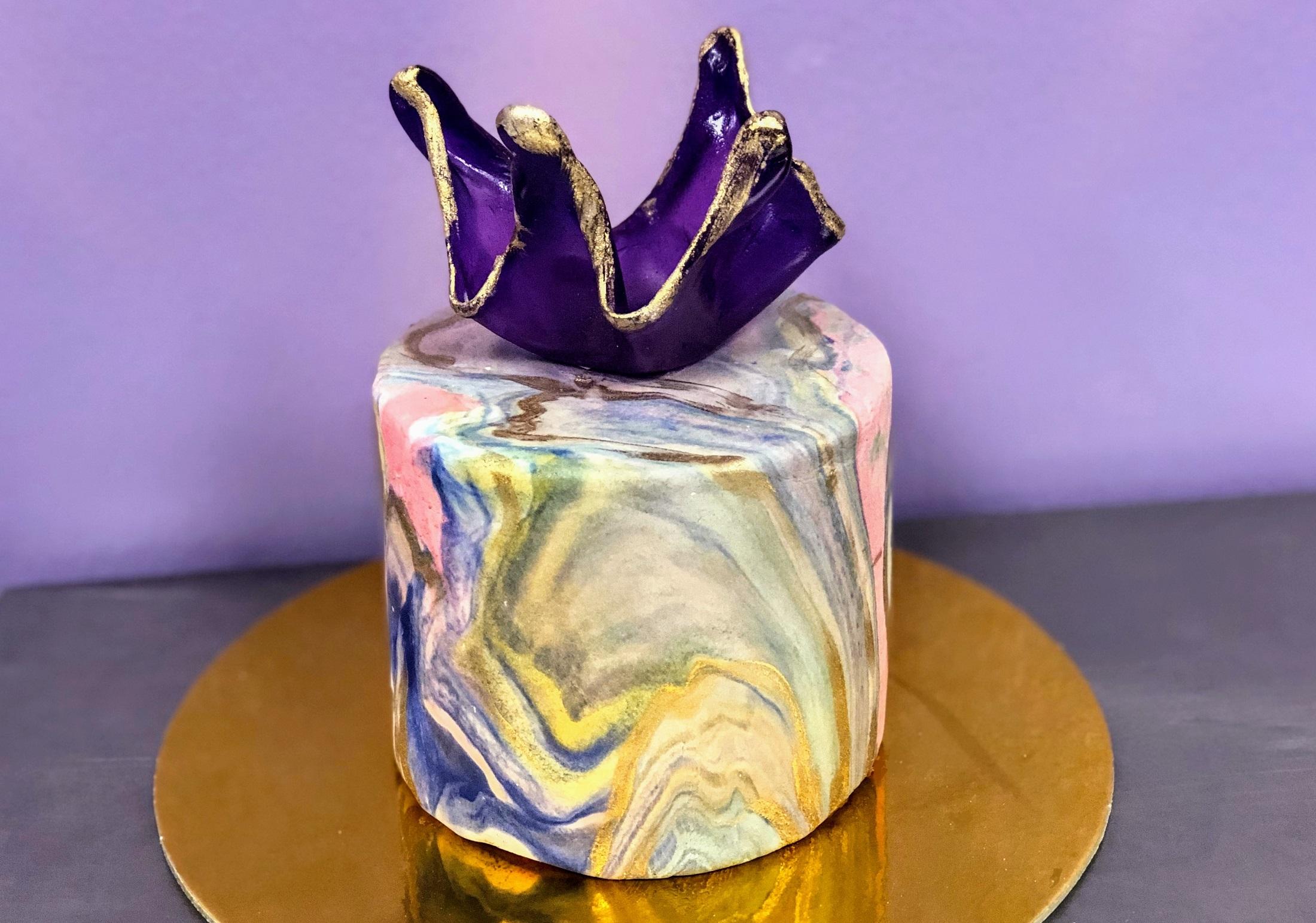 Marbled Shimmer Fondant Cake w/Isomalt Topper