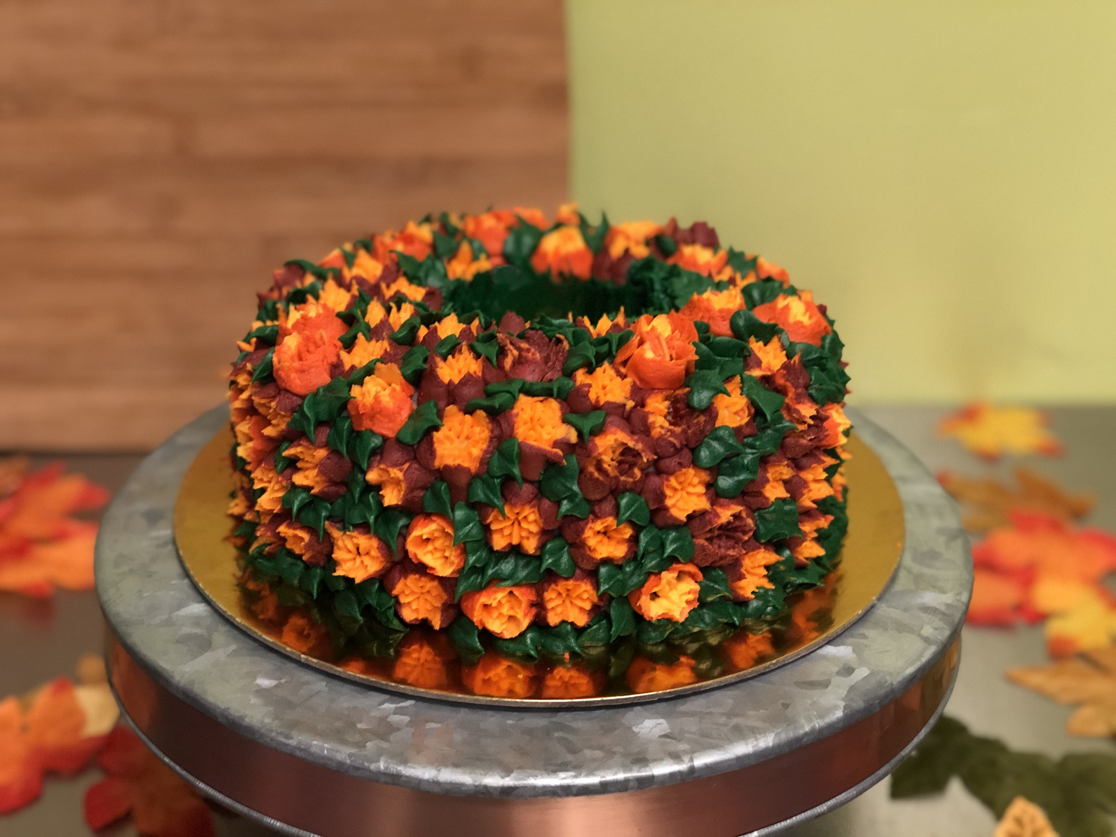 Russian Tip Fall Wreath Cake