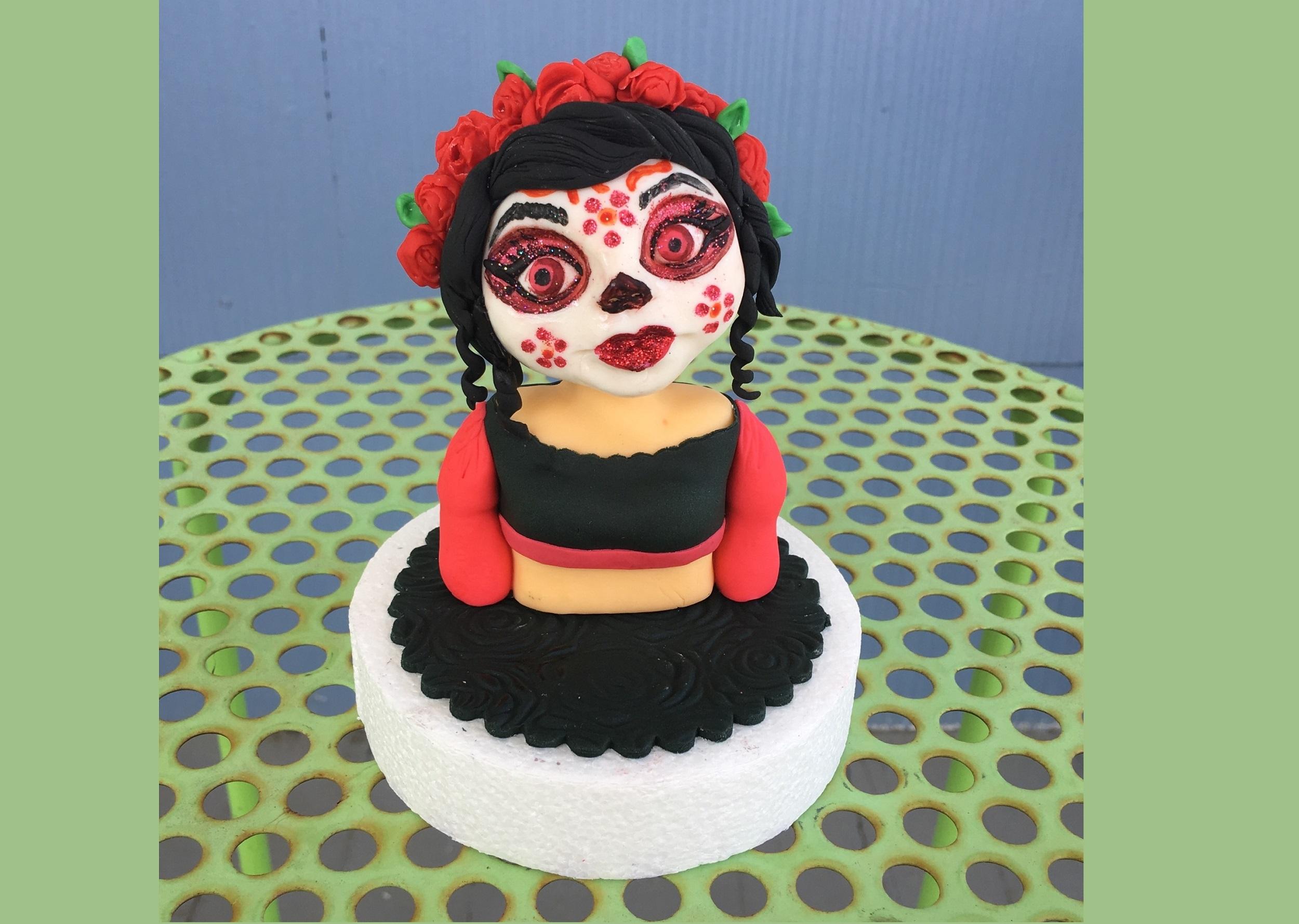 Sculpting Class by Cupcake Tesoro