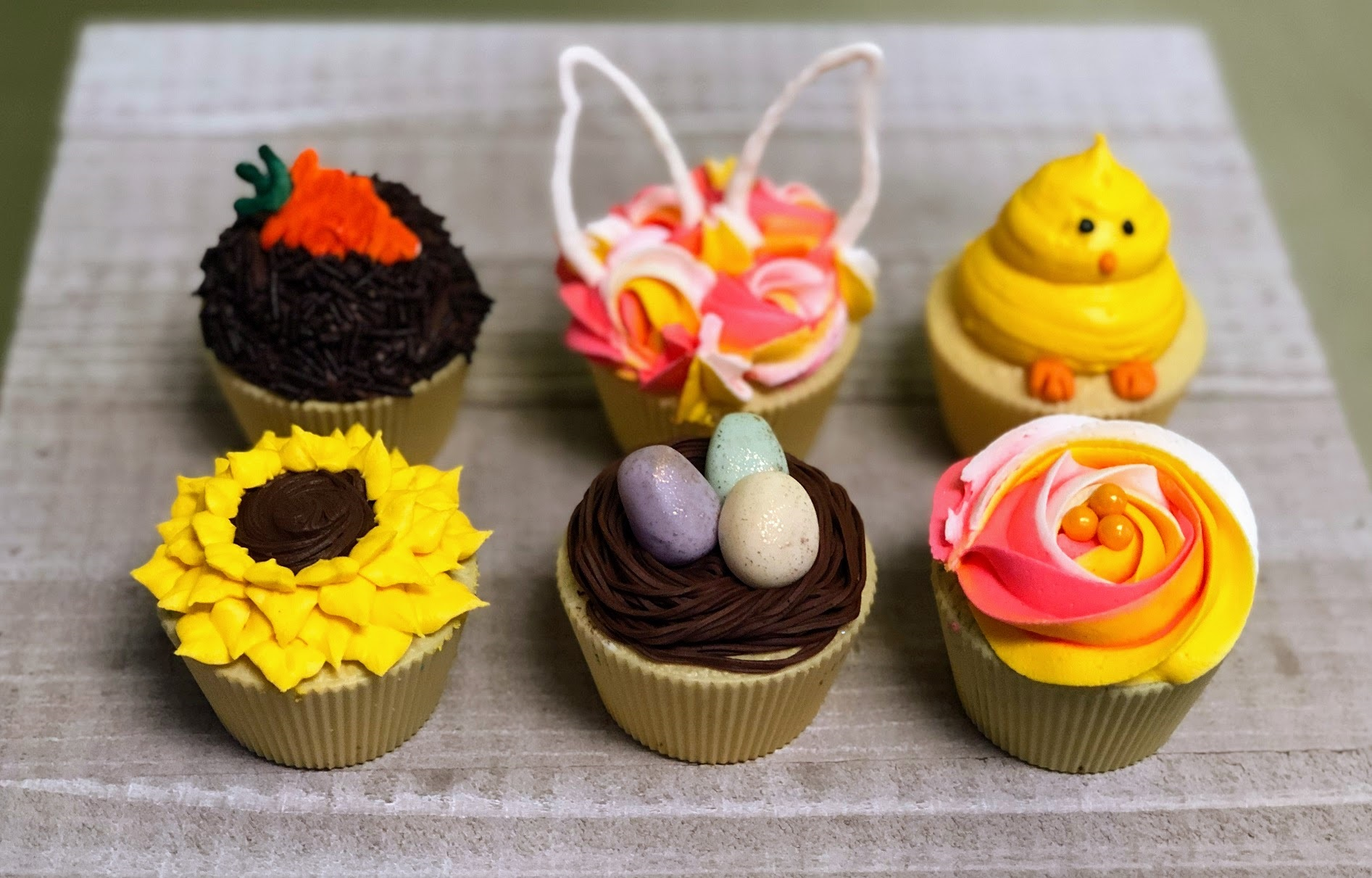 Family Day Easter Cupcakes