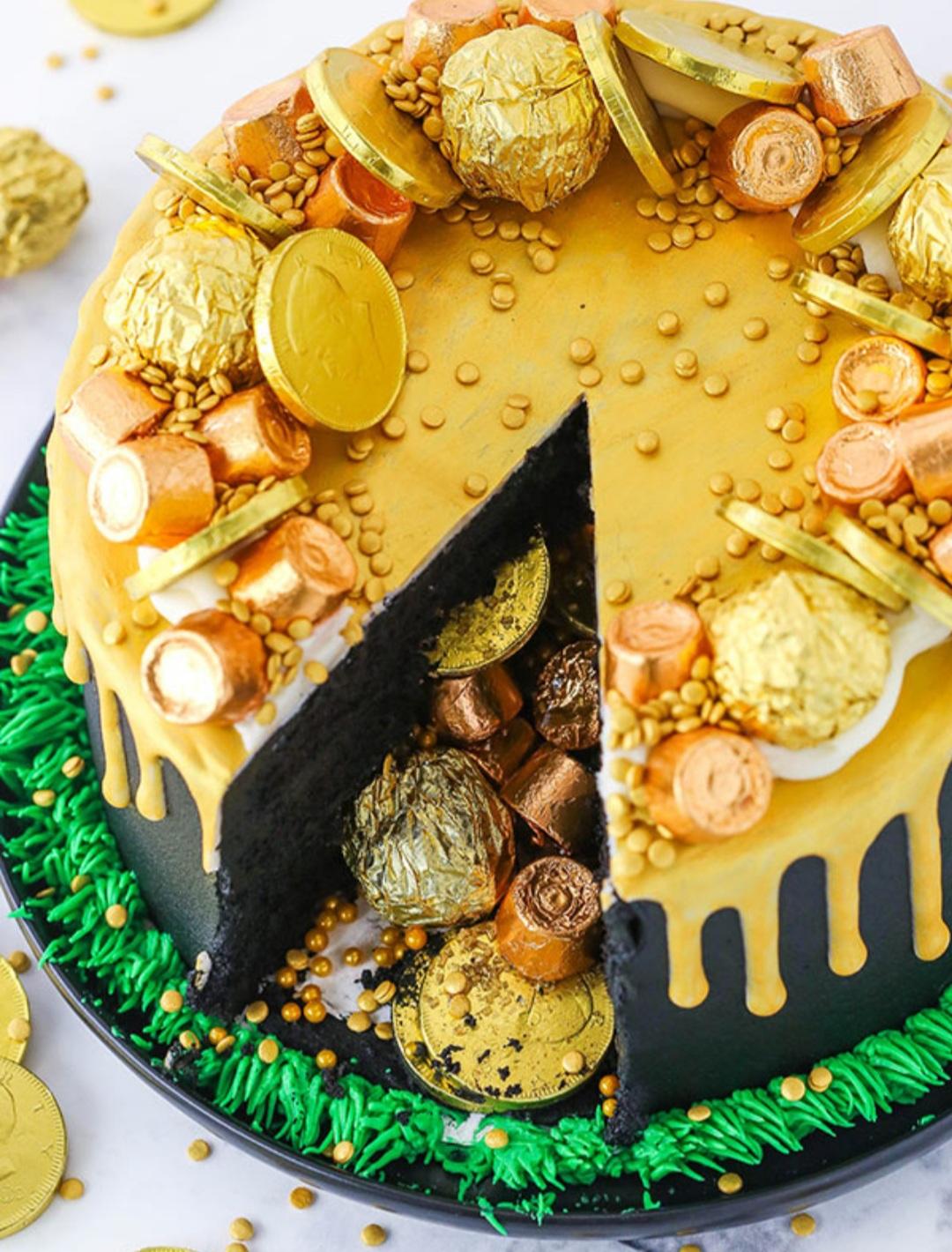 Pop of Gold Drip Cake